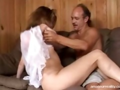 dilettante housewife squirts on love tunnel