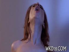 babe seduces chap to fuck