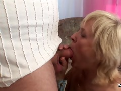 mama receive drilled by youthful guy when daddy