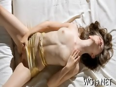 honey masturbates on web camera